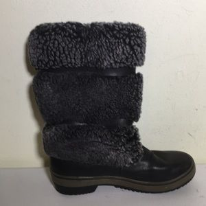 UGG Australian Lilyan Boot stout leather size 6